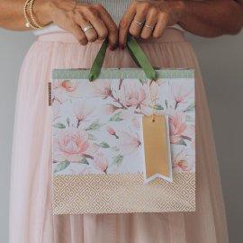 Gift bag magnolia pattern