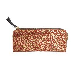 Pouch velvet leopard pattern
