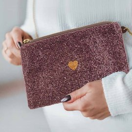 Crossover clutch pearl bag heart